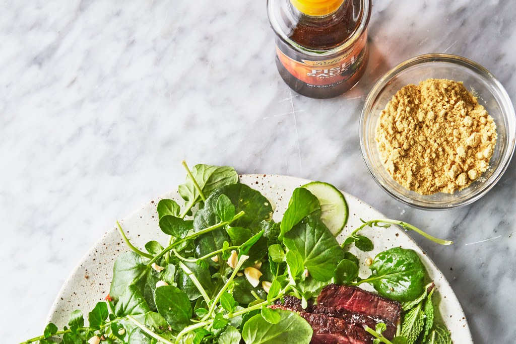 Biefstuk with Tangy Sauce and Watercress Salad