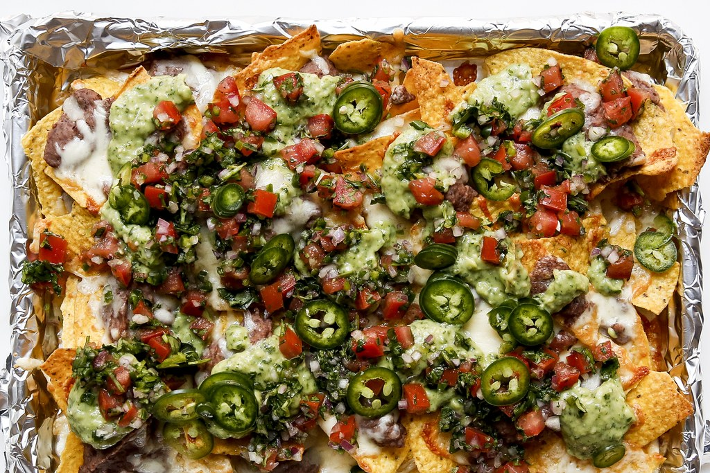 Geheel Loaded Black Bean Nachos with Red and Green Salsas