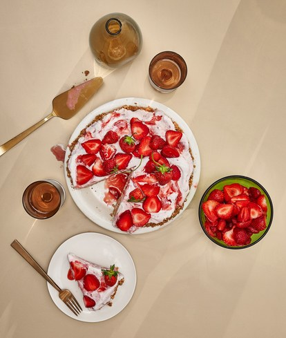 kelapa-strawberry-ice-cream-pie.jpg