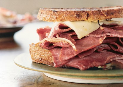 Grilled-corned-beef-and-fontina-sandwiches-646