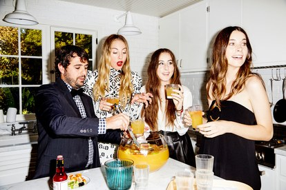 haim-extras-kitchen-punch