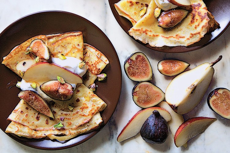 نشا الذرة Crepes with Figs and Pears