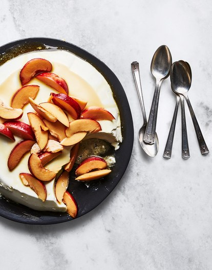 ricotta-panna-cotta-with-nectarines-and-honey.jpg