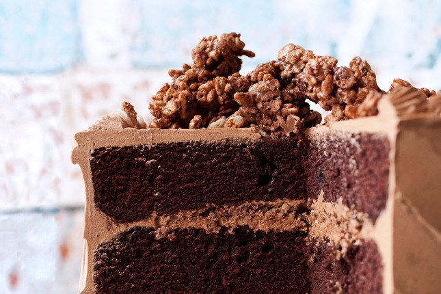 إبليس's Food Cake with Hazelnut Crunch