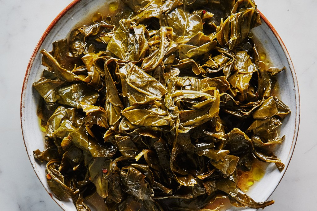 Lėtai virti Collard Greens in Olive Oil