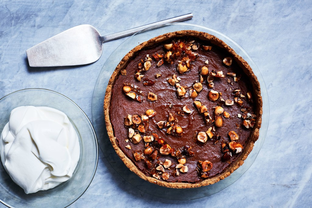 Moliūgų karamelė Tart with Toasted-Hazelnut Crust